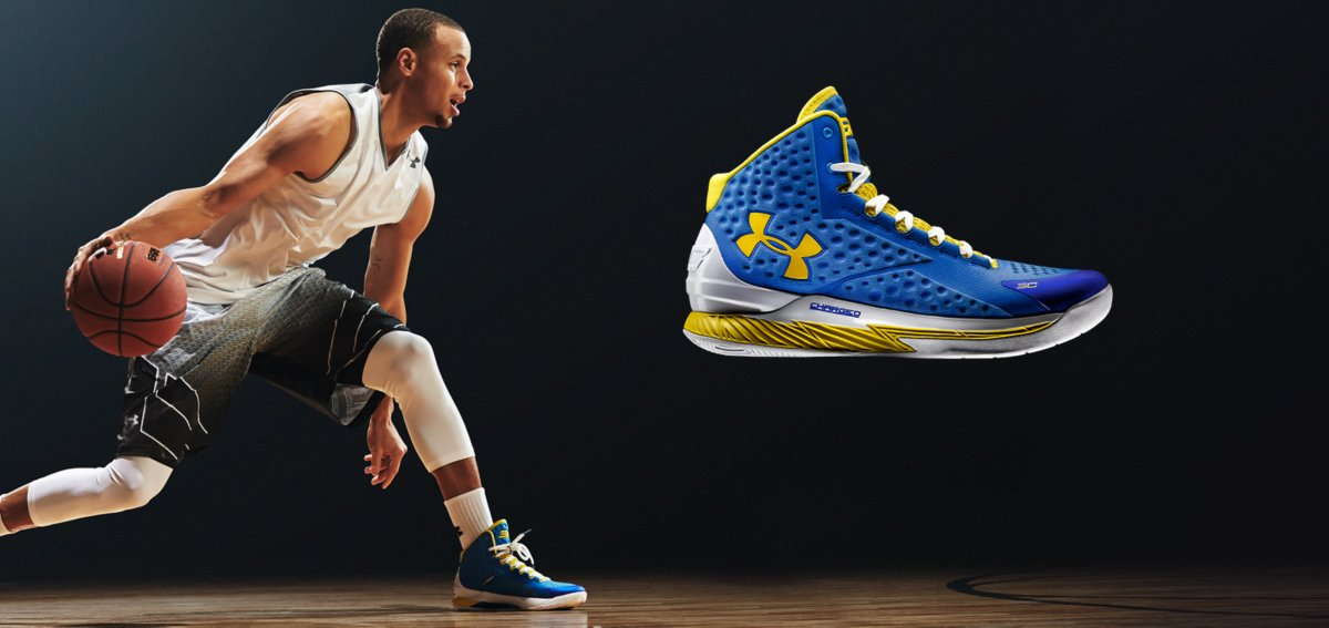 Steph Curry recibe sus zapatillas, las Under Armour Curry One
